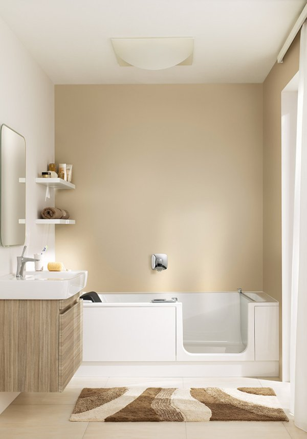 TWIN LINE 2 bathtub with bathtub door | © Artweger GmbH. & Co. KG